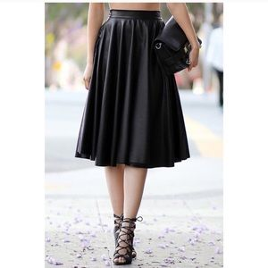 🖤🖤 FAUX LEATHER FLARE SKIRT 🖤🖤